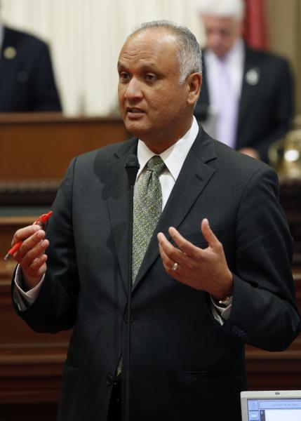 Senator Hernandez on the Senate Floor