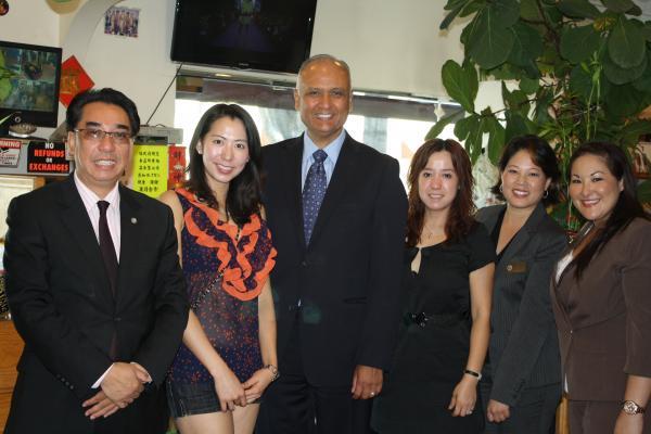 Senator Hernandez Visits Monterey Park Businesses